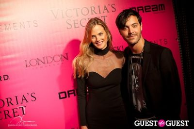 shannan click in Victoria's Secret 2011 Fashion Show After Party