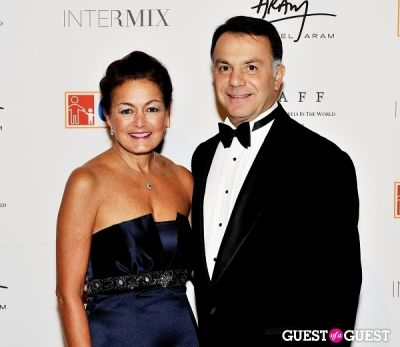 ara hacet in Children of Armenia Fund 10th Annual Holiday Gala