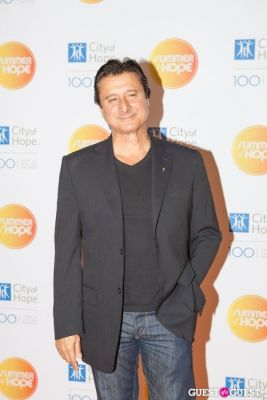 steve perry in City of Hope's 2013 Summer of Hope Celebration