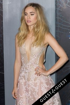 suki waterhouse in Insurgent Premiere NYC