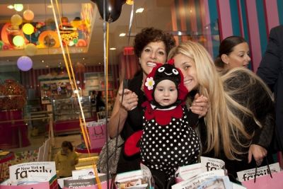 sylvie and-dana-haddad in The 10th Annual DivaLysscious Moms Halloween Spooktacular