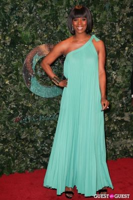 tasha smith in QVC Red Carpet Style