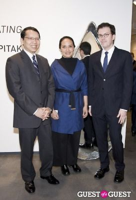 thai consul-general-piriya-khempon in Pinaree Sanpitak Opening at Tyler Rollins Fine Art