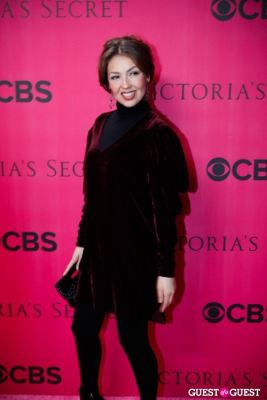 thalia in 2010 Victoria's Secret Fashion Show Pink Carpet Arrivals