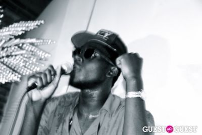 theophilus london in Freak City LA + Theophilus London + Ninjasonik.