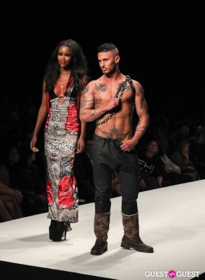 everett turner in AIDS Healthcare Foundation Presents Art Hearts Fashion