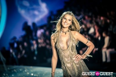 toni garrn in Victoria's Secret Fashion Show 2013