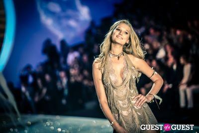 toni garrn in Victoria's Secret Fashion Show 2013