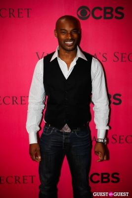 tyrese in 2010 Victoria's Secret Fashion Show Pink Carpet Arrivals