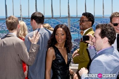 valisia lekae in Tony Award Nominees Photo Op Empire State Building