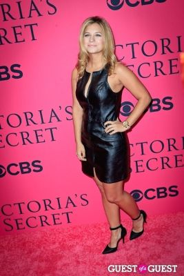 vanessa ray in 2013 Victoria's Secret Fashion Pink Carpet Arrivals