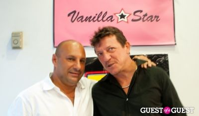 venanzio ciampa in Vanilla Star and Wet Seal Blow Out