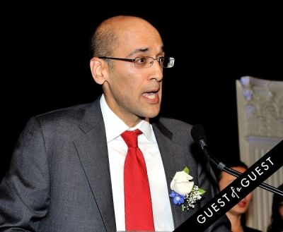 vik sawhney in Outstanding 50 Asian Americans in Business 2014 Gala