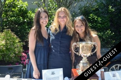 zoe bohrer in 10th Annual Hamptons Golf Classic