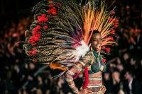 Victoria's Secret Fashion Show Paris 2016: Full Runway and Performances #17