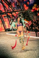 Victoria's Secret Fashion Show Paris 2016: Full Runway and Performances #23