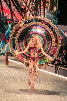 Victoria's Secret Fashion Show Paris 2016: Full Runway and Performances #37