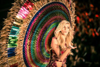Victoria's Secret Fashion Show Paris 2016: Full Runway and Performances #38