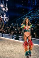 Victoria's Secret Fashion Show Paris 2016: Full Runway and Performances #40