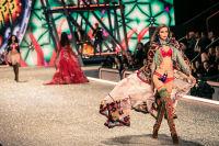 Victoria's Secret Fashion Show Paris 2016: Full Runway and Performances #50