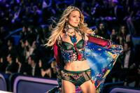 Victoria's Secret Fashion Show Paris 2016: Full Runway and Performances #56