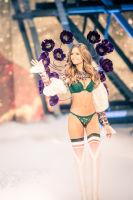 Victoria's Secret Fashion Show Paris 2016: Full Runway and Performances #80