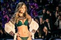 Victoria's Secret Fashion Show Paris 2016: Full Runway and Performances #81