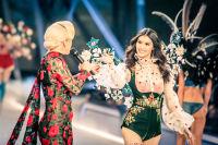 Victoria's Secret Fashion Show Paris 2016: Full Runway and Performances #87