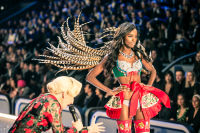 Victoria's Secret Fashion Show Paris 2016: Full Runway and Performances #90