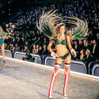 Victoria's Secret Fashion Show Paris 2016: Full Runway and Performances #93