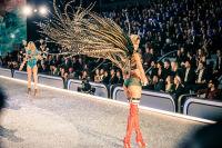 Victoria's Secret Fashion Show Paris 2016: Full Runway and Performances #95