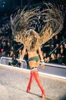 Victoria's Secret Fashion Show Paris 2016: Full Runway and Performances #96