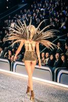 Victoria's Secret Fashion Show Paris 2016: Full Runway and Performances #98