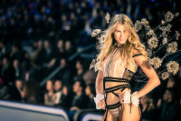 Victoria's Secret Fashion Show Paris 2016: Full Runway and Performances #101