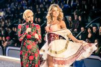 Victoria's Secret Fashion Show Paris 2016: Full Runway and Performances #106