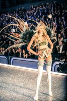 Victoria's Secret Fashion Show Paris 2016: Full Runway and Performances #108