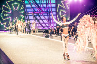 Victoria's Secret Fashion Show Paris 2016: Full Runway and Performances #118