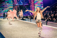 Victoria's Secret Fashion Show Paris 2016: Full Runway and Performances #121