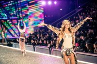 Victoria's Secret Fashion Show Paris 2016: Full Runway and Performances #122