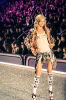 Victoria's Secret Fashion Show Paris 2016: Full Runway and Performances #123