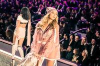 Victoria's Secret Fashion Show Paris 2016: Full Runway and Performances #128