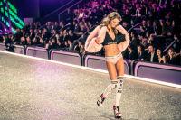 Victoria's Secret Fashion Show Paris 2016: Full Runway and Performances #133