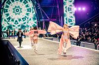 Victoria's Secret Fashion Show Paris 2016: Full Runway and Performances #136