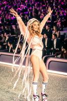 Victoria's Secret Fashion Show Paris 2016: Full Runway and Performances #140