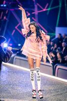 Victoria's Secret Fashion Show Paris 2016: Full Runway and Performances #144
