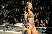 Victoria's Secret Fashion Show Paris 2016: Full Runway and Performances #164