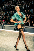 Victoria's Secret Fashion Show Paris 2016: Full Runway and Performances #165