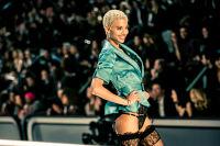 Victoria's Secret Fashion Show Paris 2016: Full Runway and Performances #166