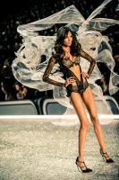 Victoria's Secret Fashion Show Paris 2016: Full Runway and Performances #169