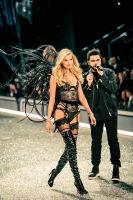 Victoria's Secret Fashion Show Paris 2016: Full Runway and Performances #177